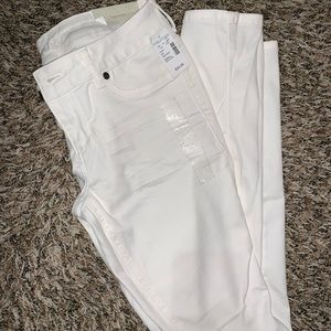 NWT Maurice's white pants